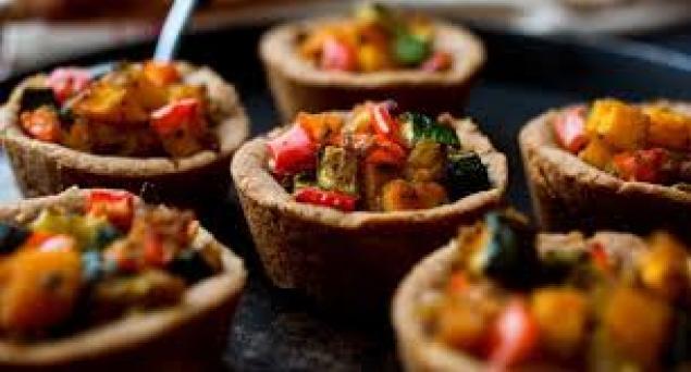 Vegetarian Mini Tarts / Persain Feta / Overnight Tomato / Spinach /Pesto