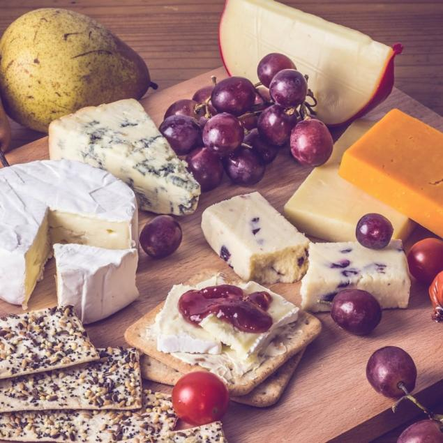 Cheese Platter ~ Australian & Imported ~ Cheddar / Wash Rind / Blue / Brie / Crackers / Dried Fruits / Nuts