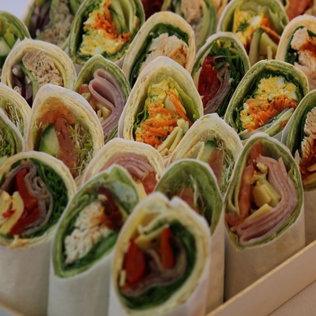 Wraps Platter ~ Feeds 5 ~ 7 (21 Wrap Pieces In Total)