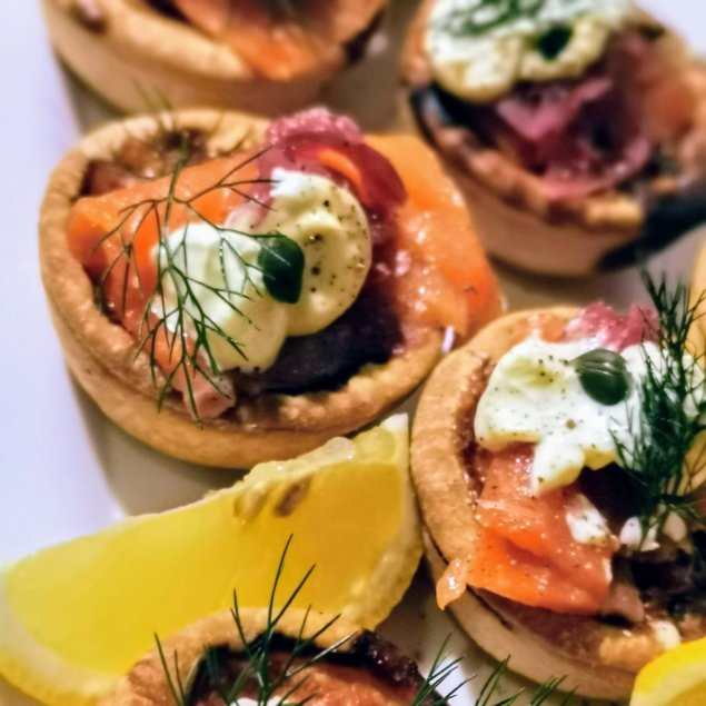 Smoked Salmon Tartlet / Puff Pastry / Shallots / Dill