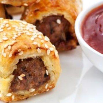 Pork & Fennel Mini Sausage Rolls ~ Tomato relish