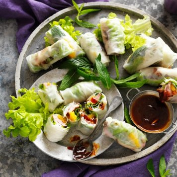 Rice Paper Roll Platter ~ Feeds 5 to 7 ~ (10 Rolls In Total)