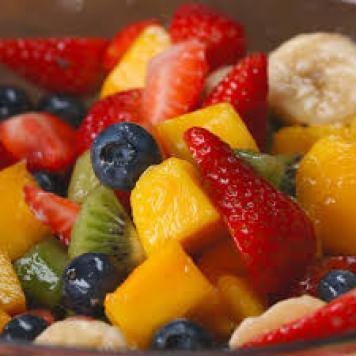 Fruit Salad Cups / Fruit Chunks Of Season Fruit