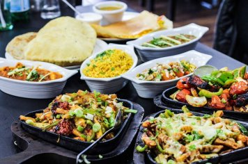 Vegetarian Buffet ~ Select six delicious option & breads