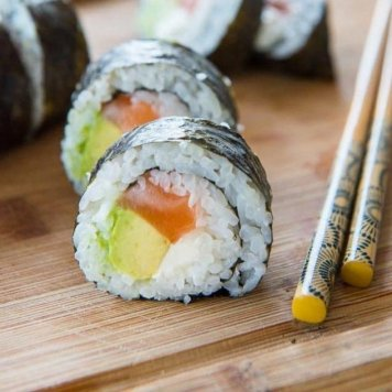 Sushi - 3 Pieces / Wasabi / Pickled Ginger / Soy