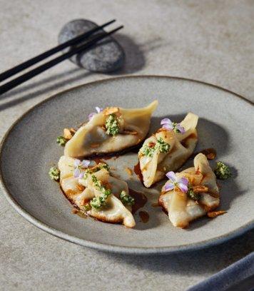 Steamed Spinach / Shiitake Mushroom Dumplings / Chili & Soy DF V