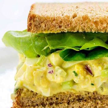 Egg Sandwich ~ Hand Chopped Egg / Mayonnaise / Chive / Lettuce / Brown Bread