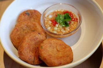 Tod Man Pla ~ Thai Fish Cakes & Dipping Sauce